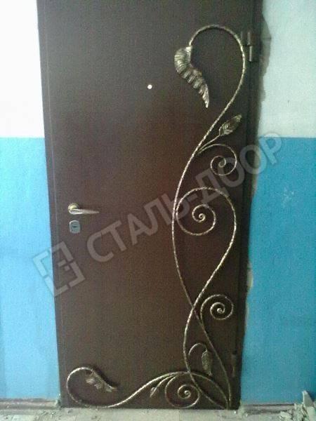 кованые элементы на металлическую дверь