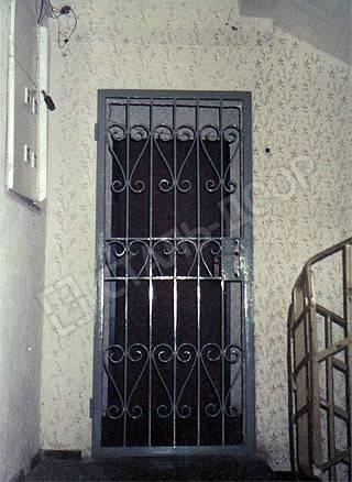 металлические входные двери решотки