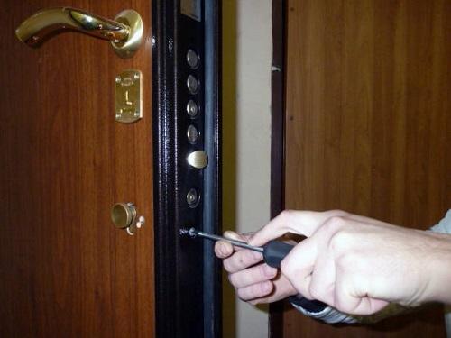 Картинки по запросу ремонт металлических дверей