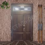 парадная железная дверь в коттедж с фрамугой